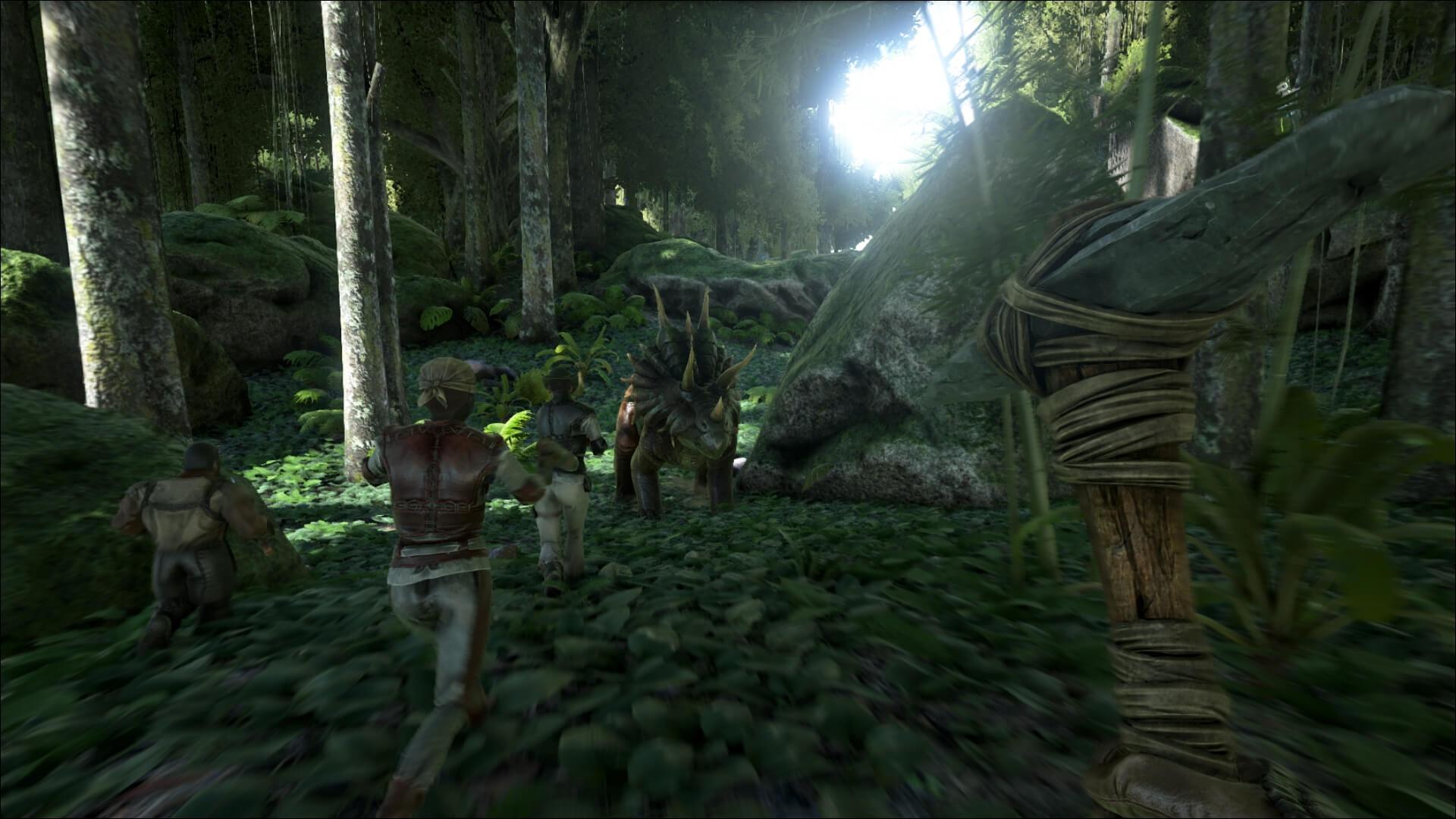 Группа игрокой нападает на трицератопса